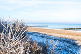 Ostseestrand im Winter - 191480438