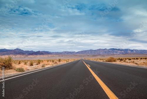 Foto op Canvas Route 66 route dans le désert.