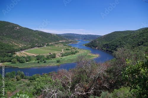 Fotobehang Nachtblauw Lac de caramany dans les corbières
