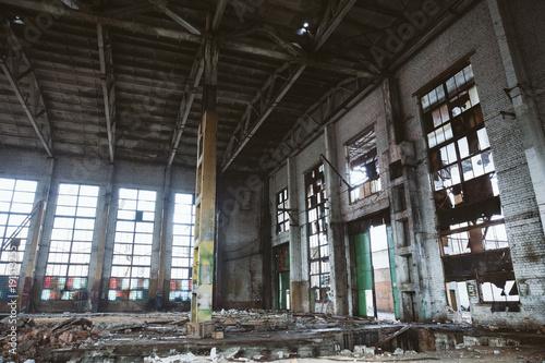 Foto op Canvas Oude verlaten gebouwen Abandoned ruined industrial factory building, ruins and demolition concept
