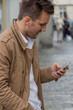 man writes sms - 191517021
