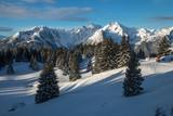 Paysage de montagne , avec refuge , en hiver , en Savoie - 191519457
