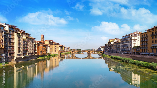 Papiers peints Florence Famous landmark of Florence is the Bridge Trinity. Renaissance bridge over river Arno. Italy, June 2017. Ponte Santa Trinita.
