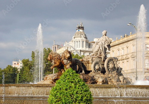 Foto op Canvas Madrid Cibeles Fountain (Fuente de Cibeles) depicts the Roman goddess Cibeles (Cybele in English), symbol of the Earth and agriculture - Madrid, Spain