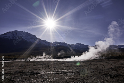 Papiers peints Morning Glory Sunrise Over Andes Mountains and El Tatio Geyser Vapor