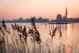 Skyline von Rostock Blick über den Fluss Warnow - 191686670