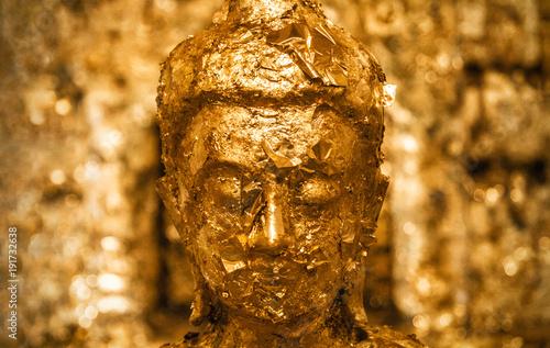 Foto op Plexiglas Boeddha Buddha mit Blattgold.