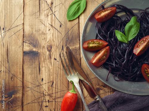 Black organic spaghetti