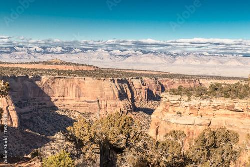 Staande foto Beige Desert Canyon Mountains
