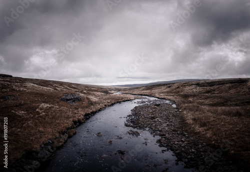 Fotobehang Zwart River Tees