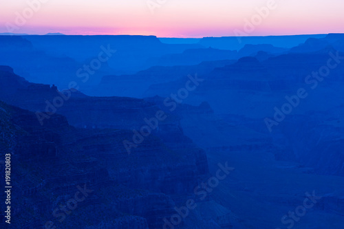 Foto op Canvas Donkerblauw 夕暮れのグランドキャニオン