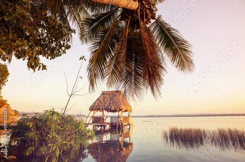 Fotobehang Galyna A. Peten lake