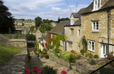 The picturesque old cottages of The Chipping Steps, Tetbury, Cotswolds, Gloucestershire, UK - 191843667