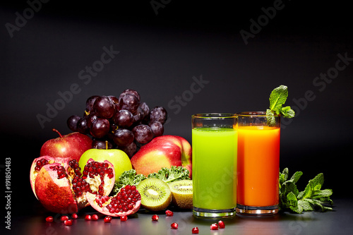 Tuinposter Sap fruit drinks and cocktails vitamins