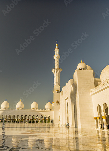 Foto op Canvas Abu Dhabi The White Mosque