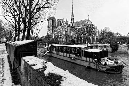 Fotobehang Wit Neige, quai de seine et Notre Dame à Paris