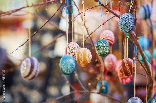 Foto Murales Colorful Easter eggs sold on Easter fair in Vilnius