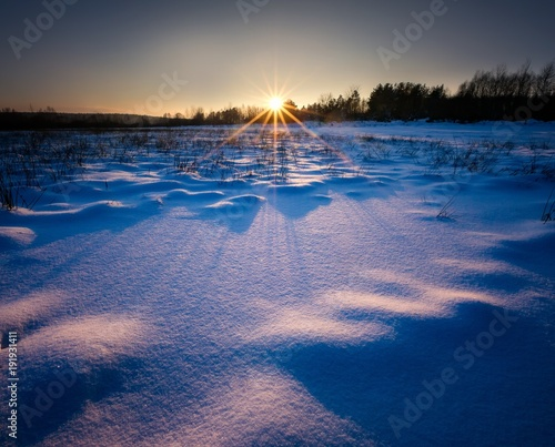 Keuken foto achterwand Natuur Winter landscape at beautiful sunny evening