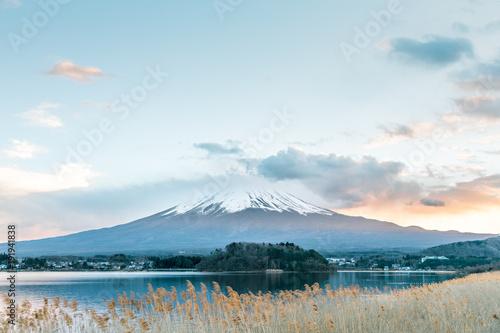 Fotobehang Lichtblauw Mountain Fuji Sunset