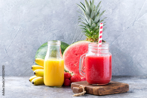 Papiers peints Jus, Sirop Watermelon and pineapple smoothie
