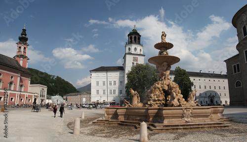 Зальцбург. Площадь с фонтаном