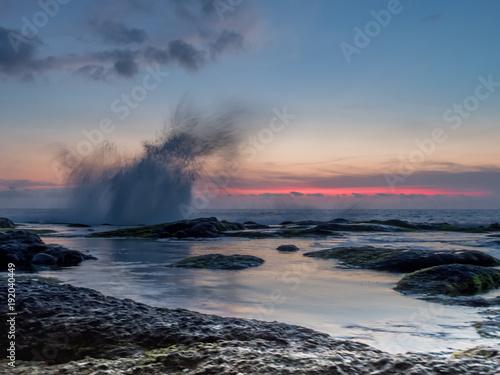 Papiers peints Bali Tanah Lot sunset surf