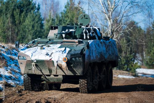 bojowy-transportowiec-wojskowy,-wojsko,-zdjecie,-plakat