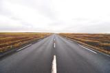 一直線に進む道 - 192096693