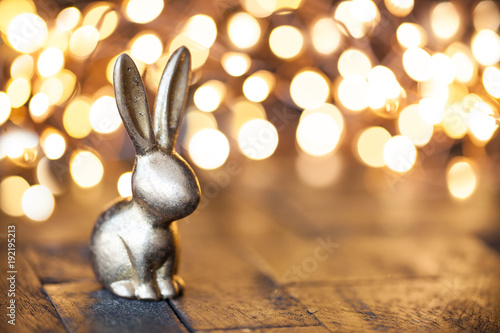Leinwanddruck Bild Kleiner goldener Hase