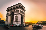 L'arc de Triomphe au coucher du soleil - 192211011