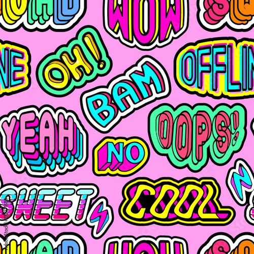 """Wzór z kolorowe patche, naklejki, odznaki, szpilki ze słowami """"Oh"""", """"Bam"""", """"Offline"""", """"Ups"""", """"Squad"""", """"Yeah"""", """"Sweet"""", """"Cool"""", """"Wow"""", itp Dziwaczny komiksowy styl z"""