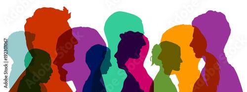 Leinwanddruck Bild Gruppe von Köpfen in verschiedenen Farben