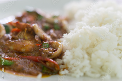 Fotobehang Thailand steamed rice with spicy fried sea food