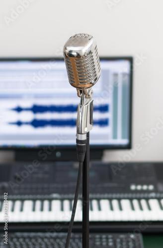 Fotobehang Muziek Home recording studio with microphone and midi keyboard.