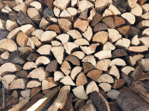 Papiers peints Texture de bois de chauffage Firewood Stack Background in Winter