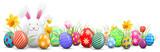 Osterhase mit bemalten bunten Ostereiern und Blumen isoliert