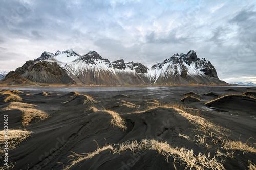 Foto op Canvas Grijze traf. amazing wild landscape at stokksnes, iceland