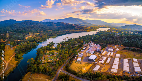 Aluminium Purper Aerial panorama of Goulburn River and mountains at sunset. Eildon, Victoria, Australia