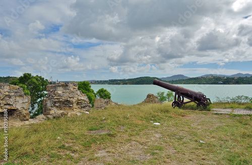 Foto Murales An old cannon at Fort James, Antigua
