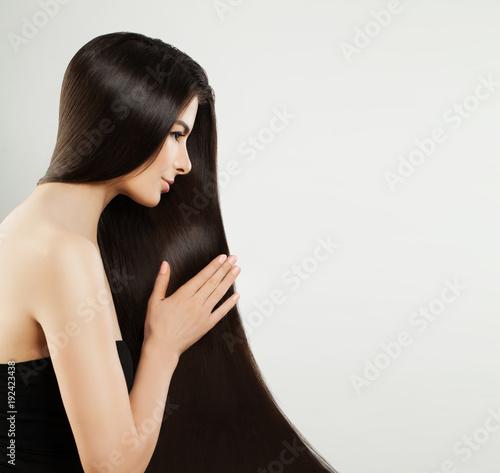 Foto Murales Long Hair Woman Portrait. Healthy Brown Hair Model