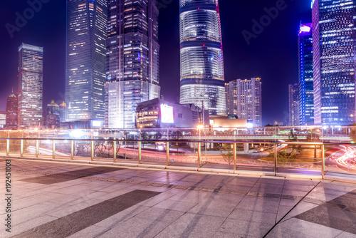 Foto op Aluminium Shanghai The night view of the skyscraper in Lujiazui Financial District, Shanghai