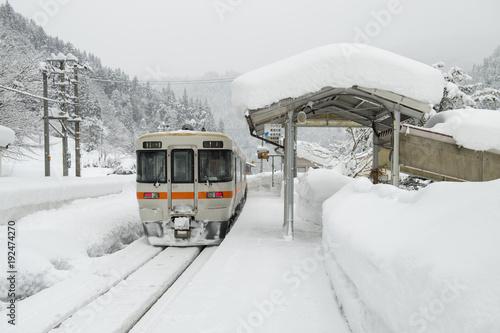 冬のローカル駅