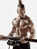 Exercise for triceps in the gym