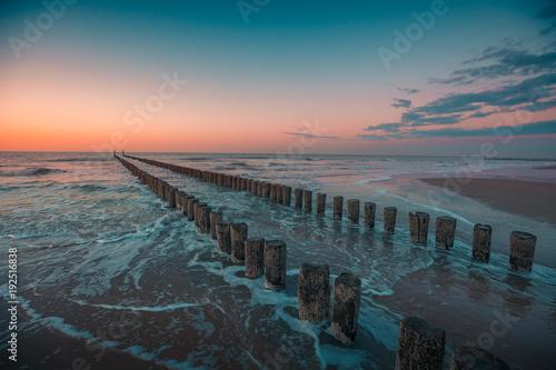 Domburg, Holandia Zachód słońca na plaży