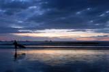 coucher de soleil et surfeur 2