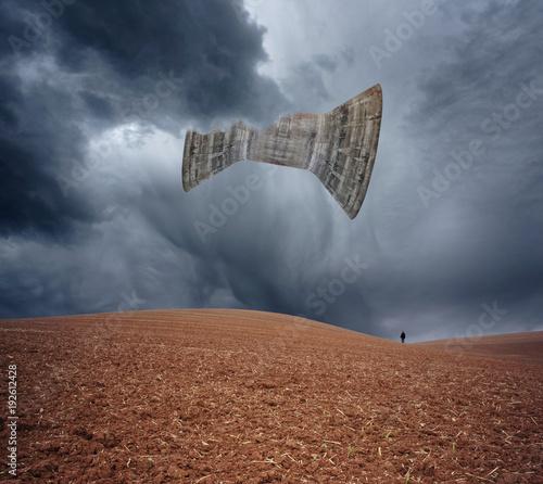 Papiers peints UFO Science-Fiction riesiges Raumschiff bricht durch die Wolkendecke - Science fiction giant spaceship breaks through the cloud cover
