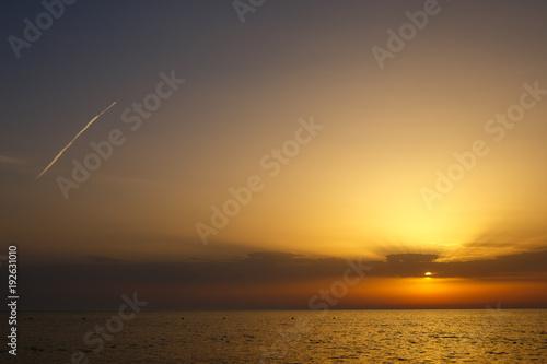 Foto op Aluminium Zee zonsondergang beautiful clouds at sunset