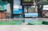 Blick runter auf die Straße und Dächer in Seoul, Korea - 192645666