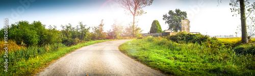 panorama e riflessi in campagna