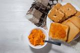 Fette biscottate per la colazione - 192690234
